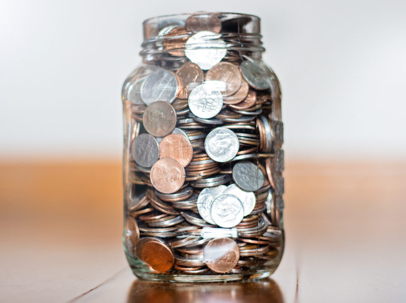 Want to get in on the ground floor of a creative way to make your mason jars make money for you? Would you like to easily save over $1, to cover your expenses for the holiday season? Or maybe use the savings to pay down a debt .